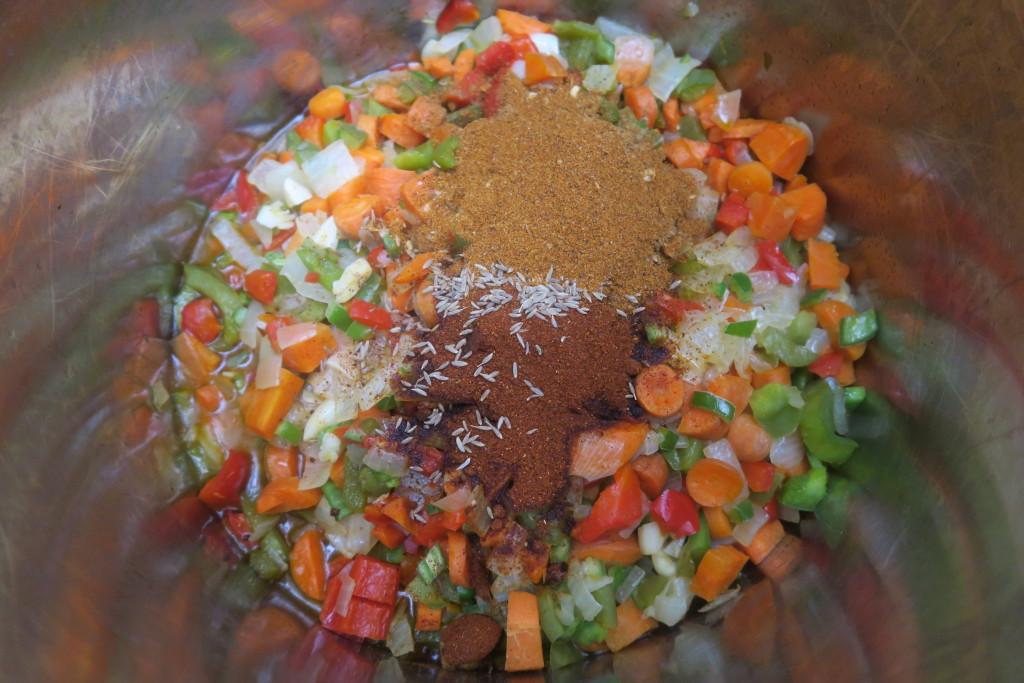 7. spices_in_chili_pot