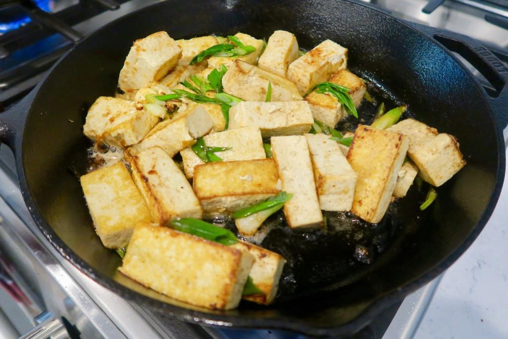 6. tofu_cast_iron_skillet_cooking